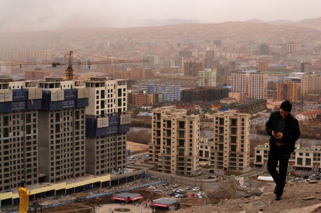 The race against winter in the slums of Ulaanbaatar
